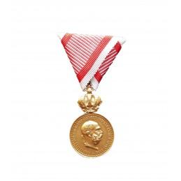Vojenská záslužná medaile...